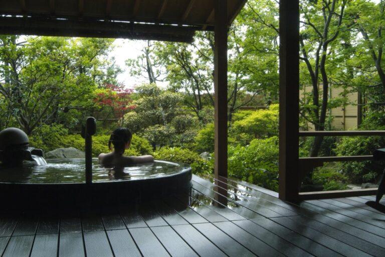 福井温泉の露天風呂:しきぶ温泉湯楽里(ゆらり)